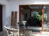 Blick von der Terrasse ins Wohnzimmer